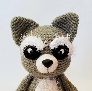 Cute Raccoon (Racoon) pattern by Heather Kumpf