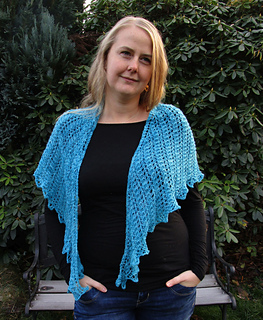 Lion_s_lace_shawl_3_11_small2