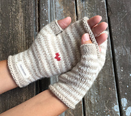 Anita_mitts_hands_cropped_small_best_fit