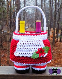 Mrs_claus_dress_basket_small2