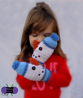 Snowman_mittens_1wm_small2
