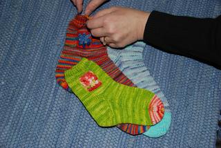 Multiple_flower_socks_small2