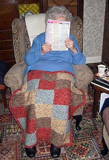 S_mum_knee_blanket_small2