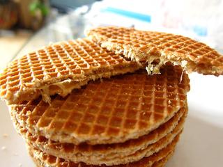 Stroopwafel-syrup-caramel-waffle_small2
