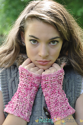 Lacy_pink_crochet_fingerless_gloves_small_best_fit