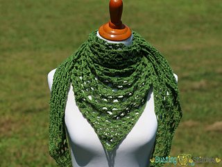aa89c3ec9 Ravelry: Olive Triangle Shawl pattern by Stacey Williams