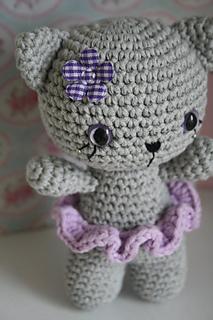Amigurumi Small Cat : Ravelry: Small cat pattern by Mari-Liis Lille