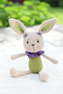 Lace_collar_bunny_amigurumi_pattern__3__small2