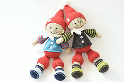 Jester_the_christmas_gnome_amigurumi_pattern_small_best_fit