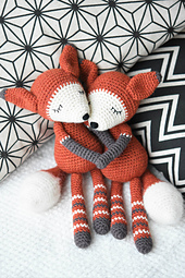 Mystique_the_fox_amigurumi_pattern_small_best_fit