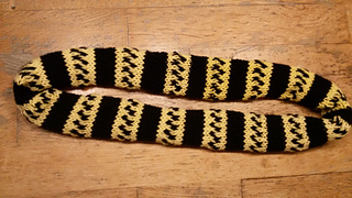 Ravelry: How to loom knit a cowl pattern by By Mique