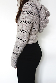 84bef4e57 Ravelry  Hooded Cropped Sweater pattern by Camelia Mit