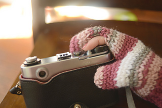 Photography_mittens_2_small2