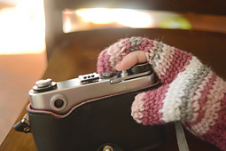 Photography_mittens_2_small_best_fit