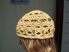 Lovely_in_lace_beanie_01_small