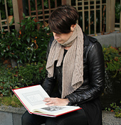 Alysha_reading_llambrosia_small_best_fit