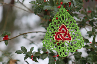 Celtic_trinity_knot_christmas_tree_1_small2
