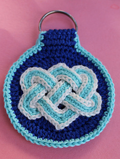Celtic_knot_key_fob_whole_photo_cropped_small2