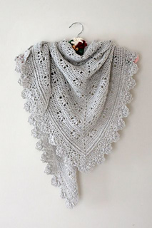 Victoria Shawl pattern by Sandra Paul