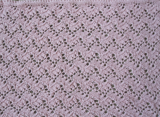 Traveling_vine_lace_blanket_005_small2