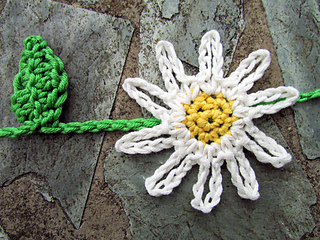 Daisy_chains_2_small2