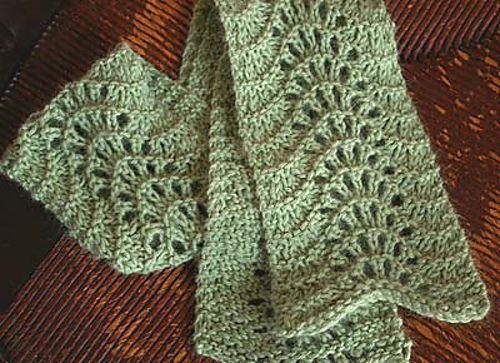 Ravelry: Easy Lace Scarf pattern by Clara Parkes