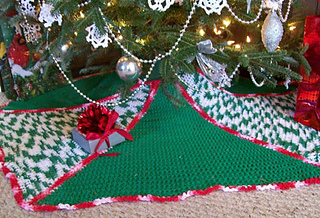 Christmas_tree_skirt_small2