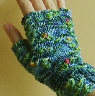 Monet_mitts__5__closeup_small_small2