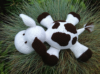 Amigurumi Patterns Cow : Ravelry pp pillow pal cow pattern by fdbyk tt