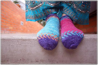 Crystalknittytoes450_small2