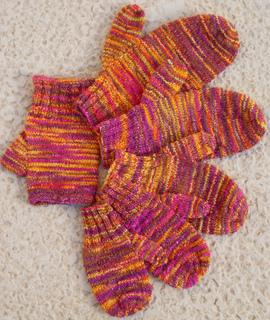 Jetson_family_of_mittens___fingerless_gloves_small2