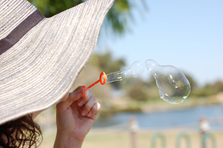 Blowing_bubbles_small2