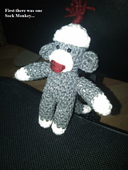 Sock_monkey_ornament_story-pic_1_small