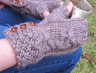 Rocky_broad_mitts_detail_shot_small2