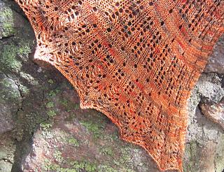 Feathered_shawl_on_rocks_detail_corner_small2