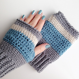 Finished_fingerless_mittens_1_small2