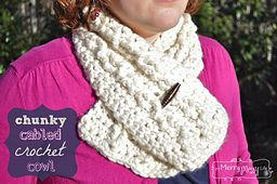 Chunky-cable-crochet-cowl_small_best_fit
