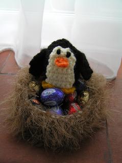 Penguin_on_nest_small2
