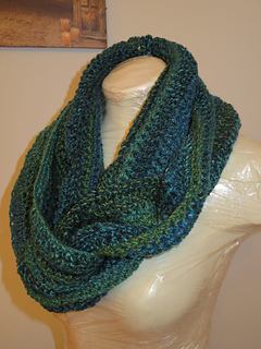 Ravelry New Beginning Infinity Cowl Pattern By Sarah