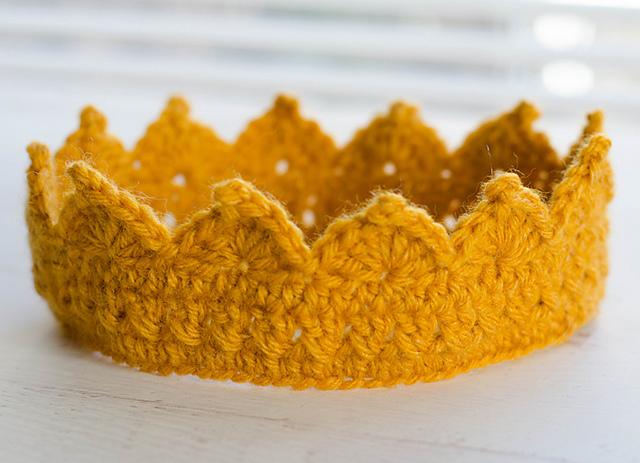 Ravelry  Crown pattern by Crochet 365 Knit Too cd1ca2b32e3