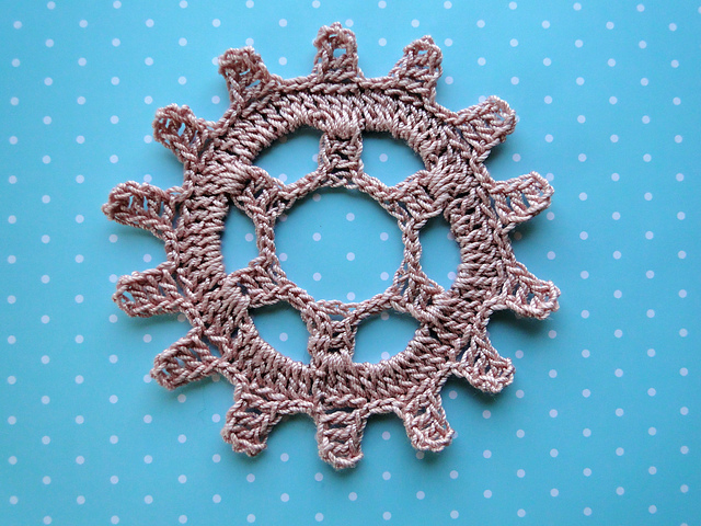Ravelry Steampunk Gear Wheel Pattern By Claire From Crochet Leaf