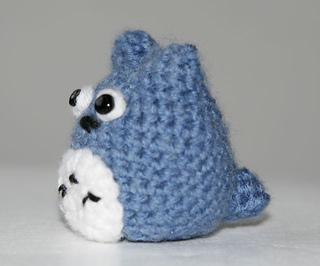Amigurumi Totoro : Ravelry tiny totoro amigurumi pattern by natalie valerie jane