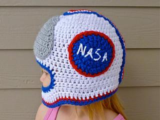 c1db60f1bf023 Ravelry  Astronaut Helmet pattern by Martina Gardner
