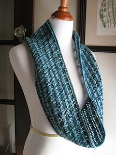 Hakkespett_infinity_scarf-1_small2