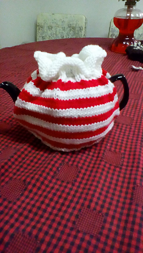 Ravelry Peppermint Striped Tea Cosy Pattern By Workbasket Magazine