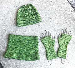 aed697c01 Ravelry  Ahlie Fingerless Mitts pattern by Dana Gervais