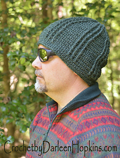 Blue_rivers_crochet_hat_pattern_male_or_female_web_logo_small2