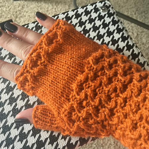 Autumn Fingerless Mitts PDF