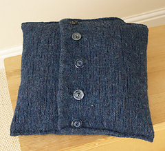 Celtica-cushion-reverse-ravelry-pic_small