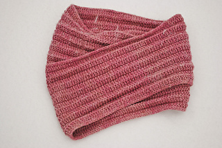 Knitting-is-my-yoga-easy-cowl-detail_small2